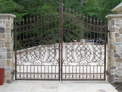 cacciolairon gate