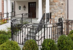 Choosing Iron vs Aluminum Railings image